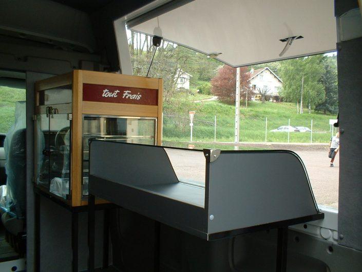 véhicule magasin boulangerie