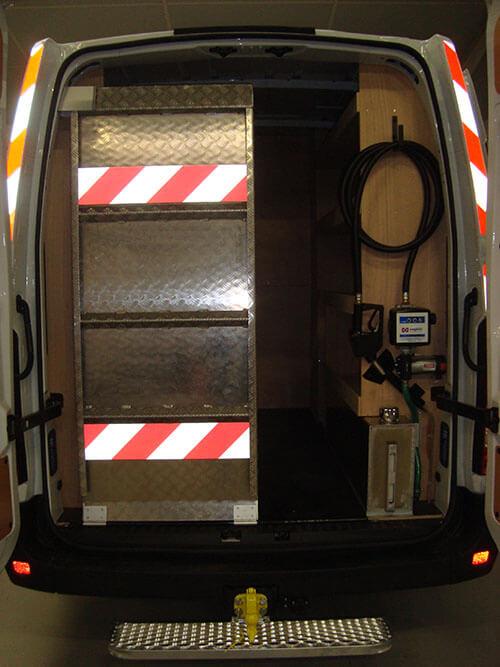 aménagement véhicule chantier et atelier avec rayonnage